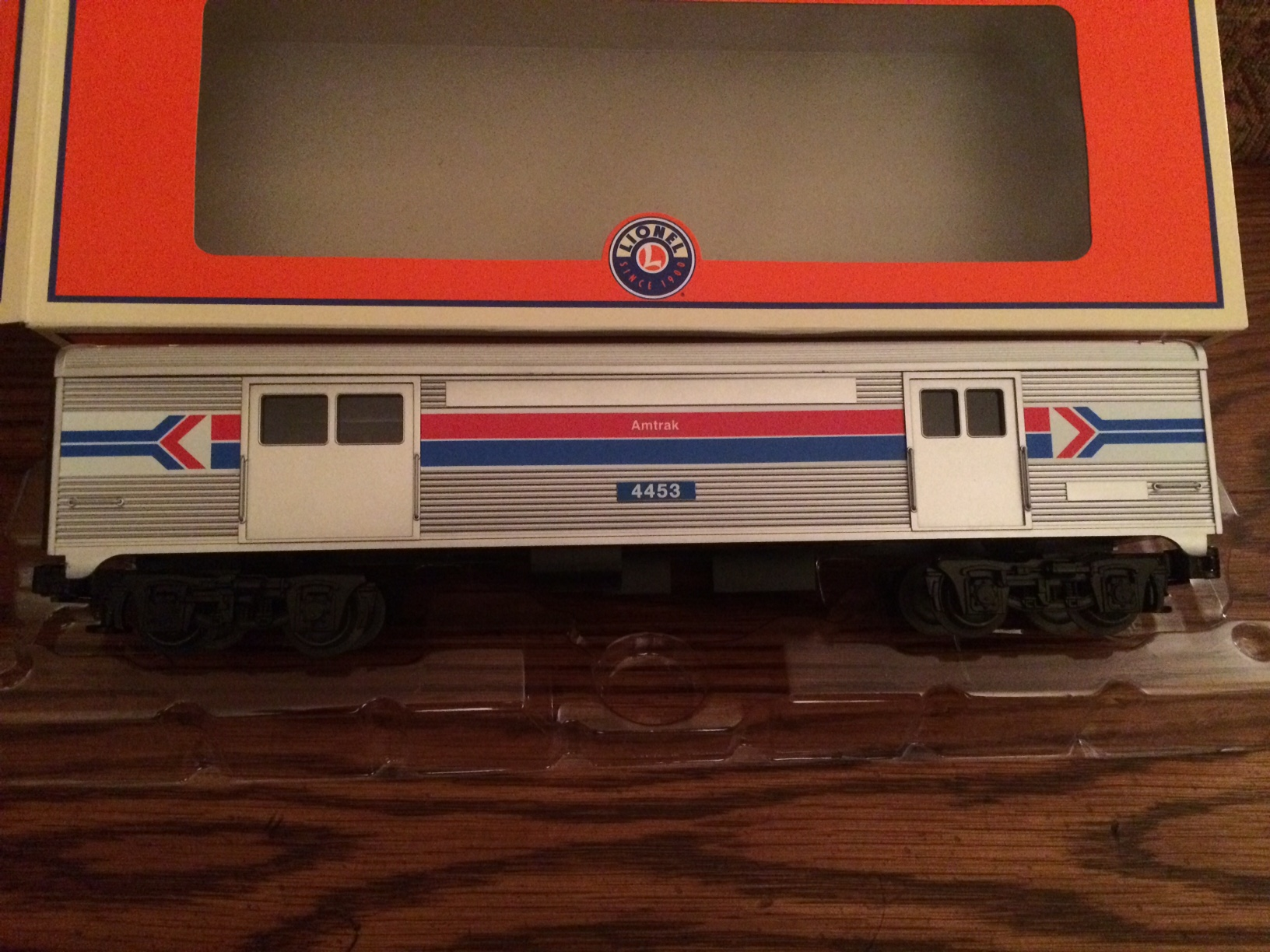traditional streamline pass cars america 39 s best train toy hobby shop. Black Bedroom Furniture Sets. Home Design Ideas