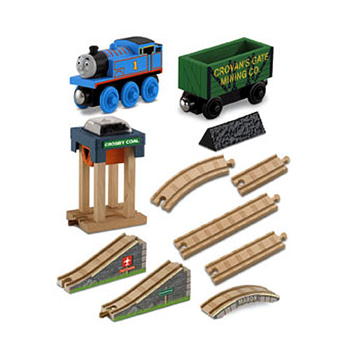 Y4474 Thomas & Friends™ Wooden Railway Tidmouth Sheds Deluxe Set ...