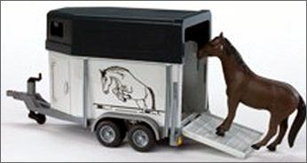 02028 Horse Trailer with One Horse