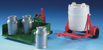 02241 Milk container, movable load case and 3 milk churn D